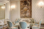 masa-si-scaune-palatul-primaverii